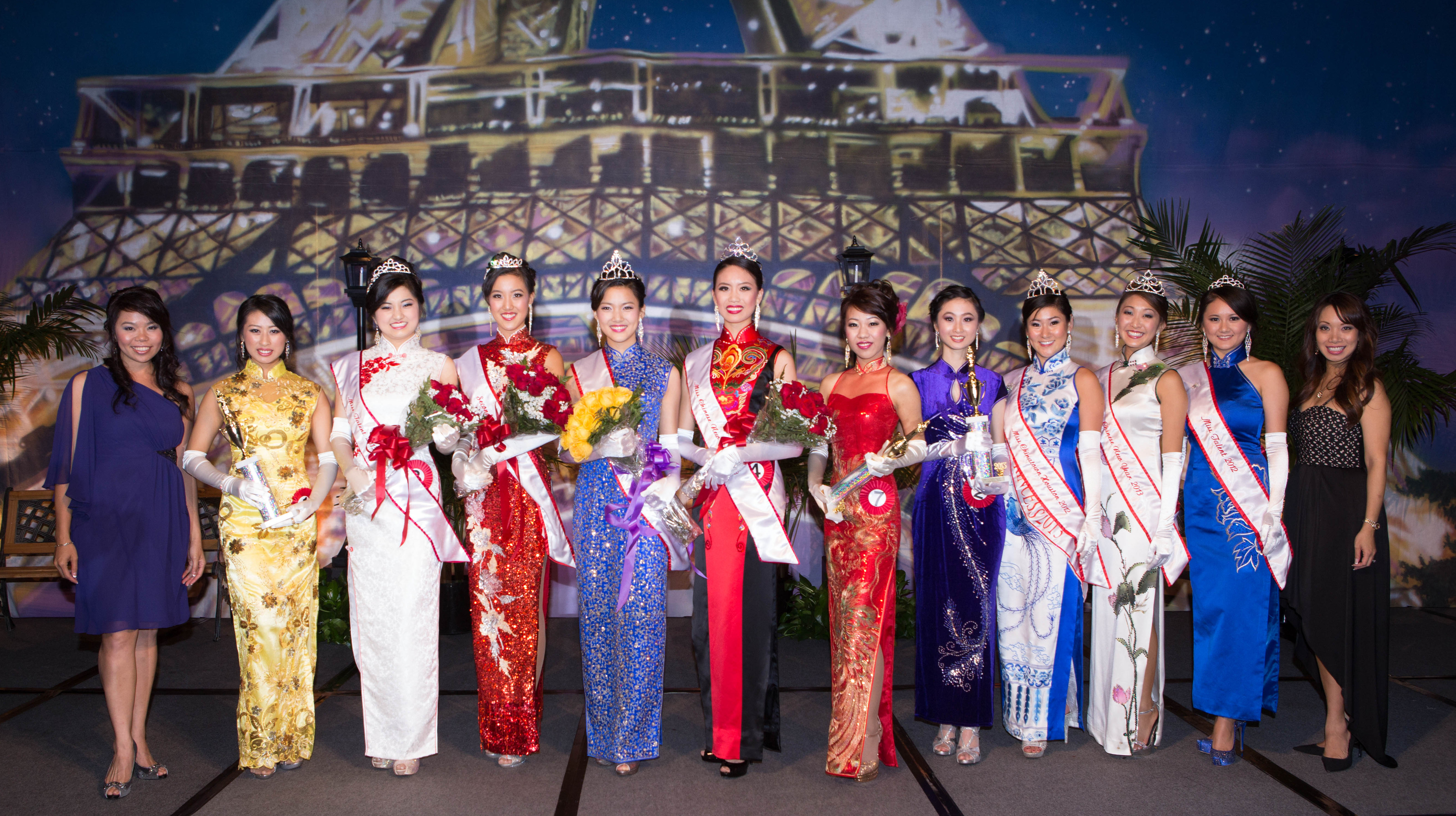 Miss Chinatown Houston 2013 with Kitty So, her court, presenters, Tammy Su. Photo by Alvin Gee Photography
